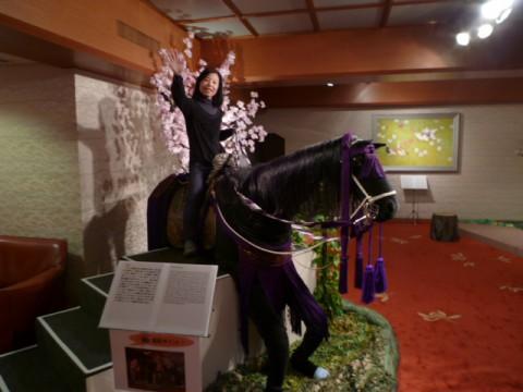 馬に乗ってみた(悪乗り)。けっこう楽しい(笑)。