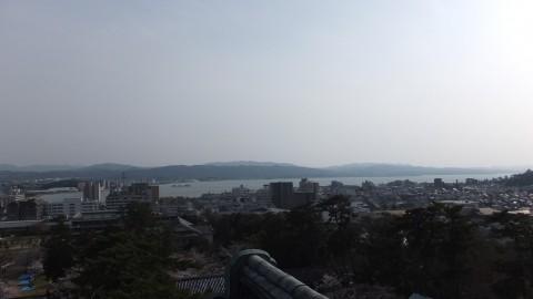 天守閣最上階から。宍道湖と松江市内が一望できる