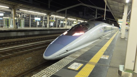 500系新幹線。700系よりかなりシャープな印象